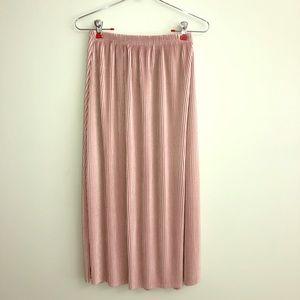 Dresses & Skirts - **Price Drop** Mauve Pleated Maxi Skirt